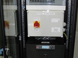 UPS APC RT 20 kVA z bypassem zewnętrznym i rozdzielnicą RUPS – PCC Rokita w Brzegu Dolnym